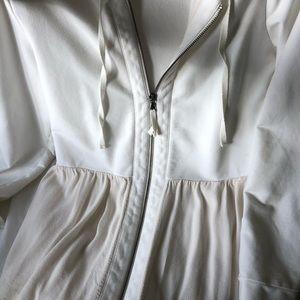 White zip up hooded sweatshirt